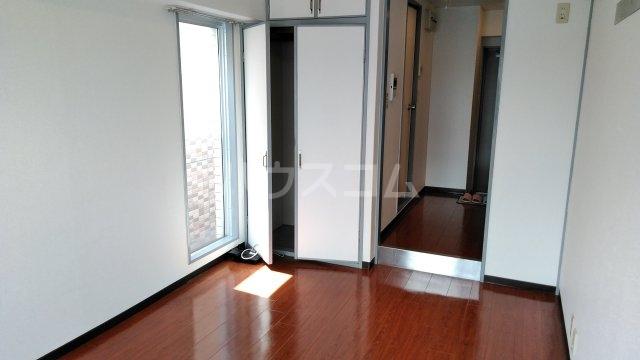 スペリオン桂 303号室の居室
