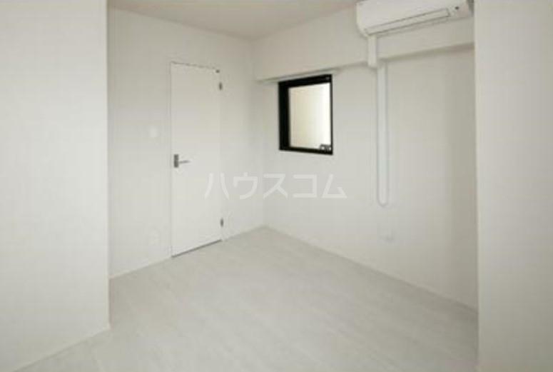 グランクリュ新宿御苑 801号室のリビング