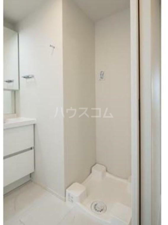 グランクリュ新宿御苑 801号室の洗面所