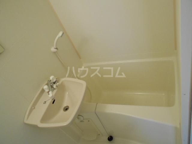 エクシード西院Ⅱ 101号室の風呂