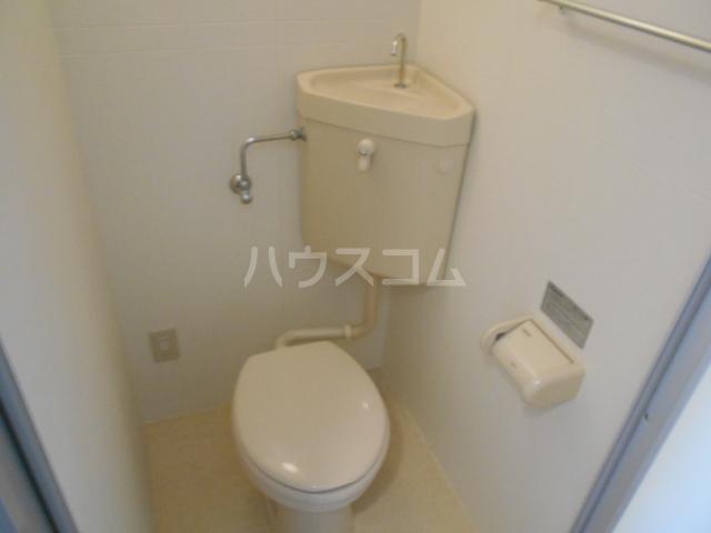 エクシード西院Ⅱ 101号室のトイレ
