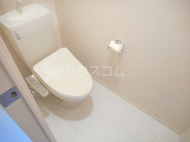 K'SシャンブルⅨ 102号室のトイレ