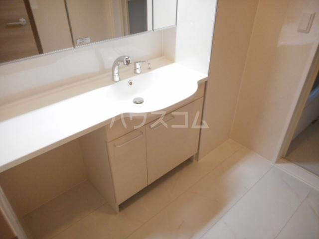 K'SシャンブルⅨ 102号室の洗面所