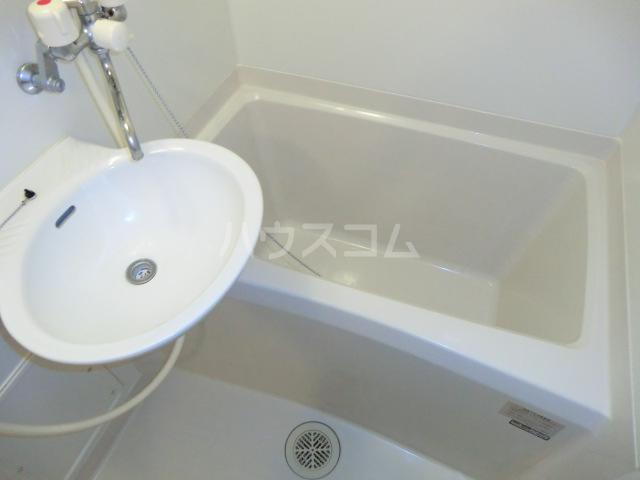 レオパレスシャルマン北浦 103号室の風呂