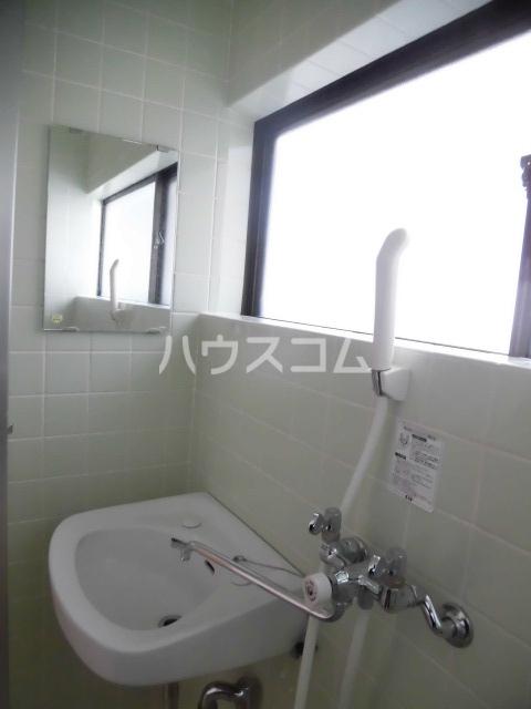 第2ハイツ 205号室の洗面所