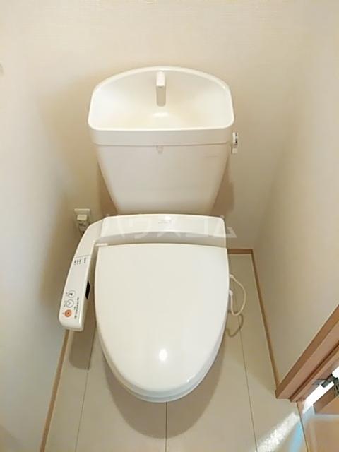 セジュールブリエ 201号室のトイレ