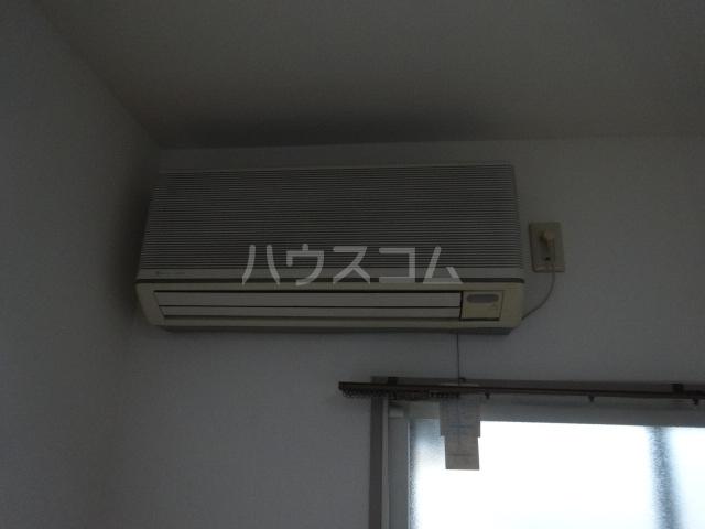 ベルメゾンアルヴェ 403号室のリビング
