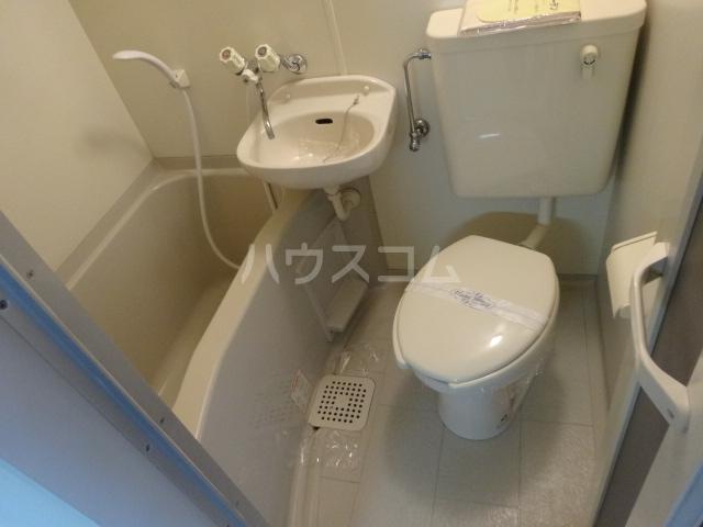 ベルメゾンアルヴェ 403号室の風呂