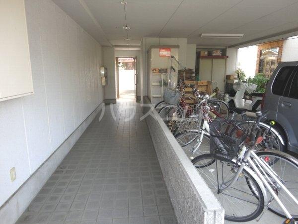 ファミール桂 402号室の居室