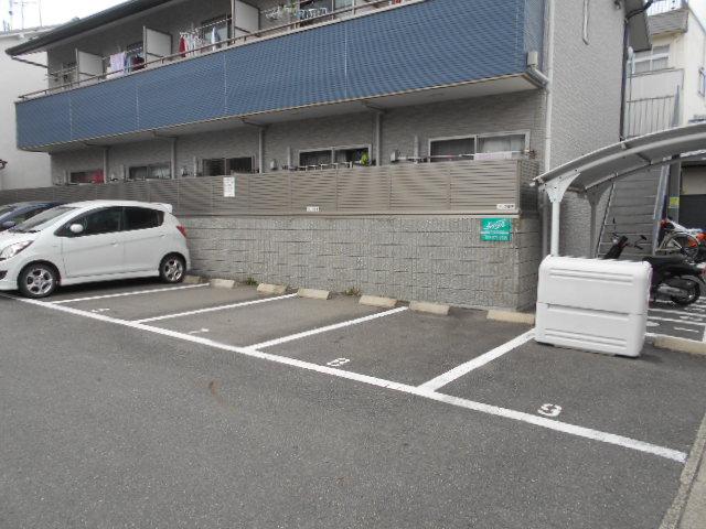 VIVRE 103号室の駐車場