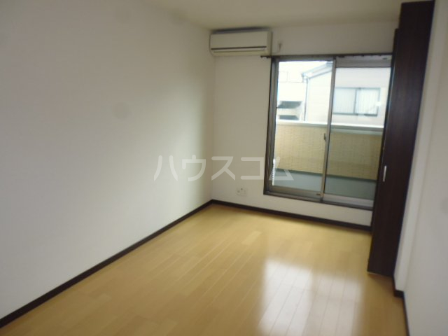 グランレブリー桂PARTⅢ 102号室の居室