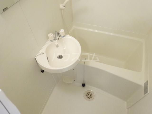 あすなろハイツ 303号室の洗面所