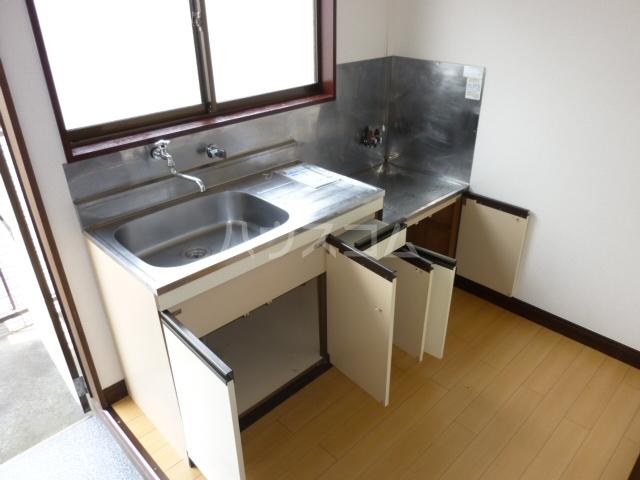 ハイツ渡辺 101号室のキッチン