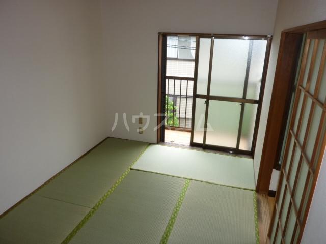 ハイツ渡辺 101号室の居室