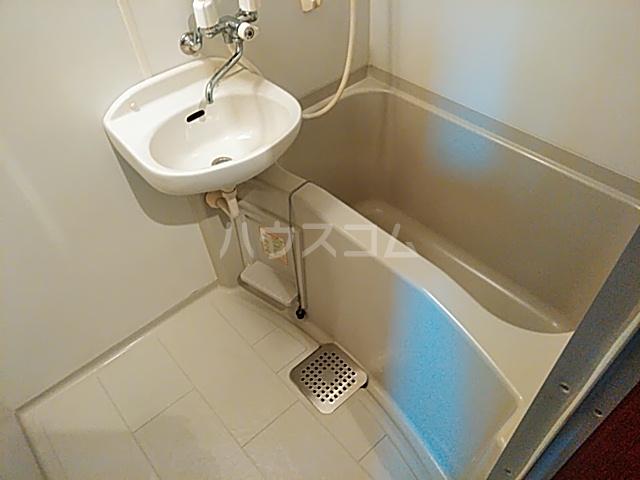 サーティフル新二条 302号室の風呂
