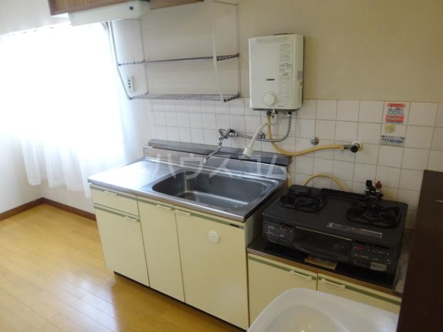 富士美ハイツ 204号室のキッチン