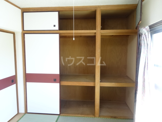 富士美ハイツ 204号室の収納