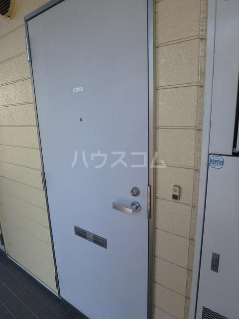 フラッツシバーズ 1-B号室の玄関