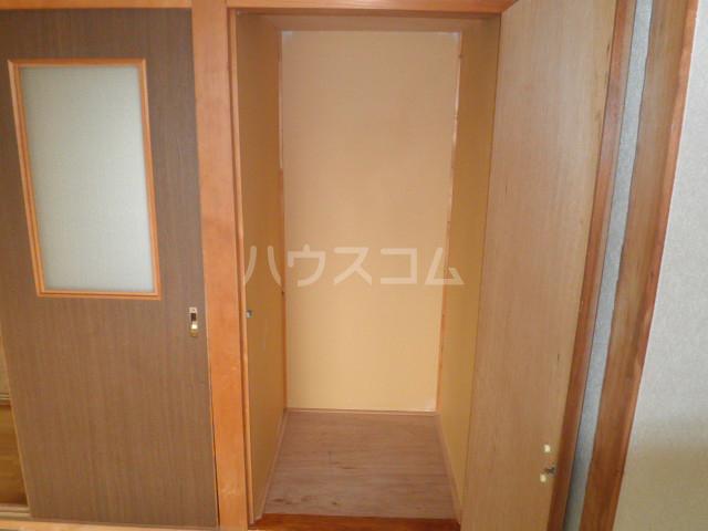 池上コーポ 201号室の玄関