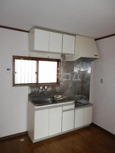 リトルハピネスナカムラ 202号室のキッチン