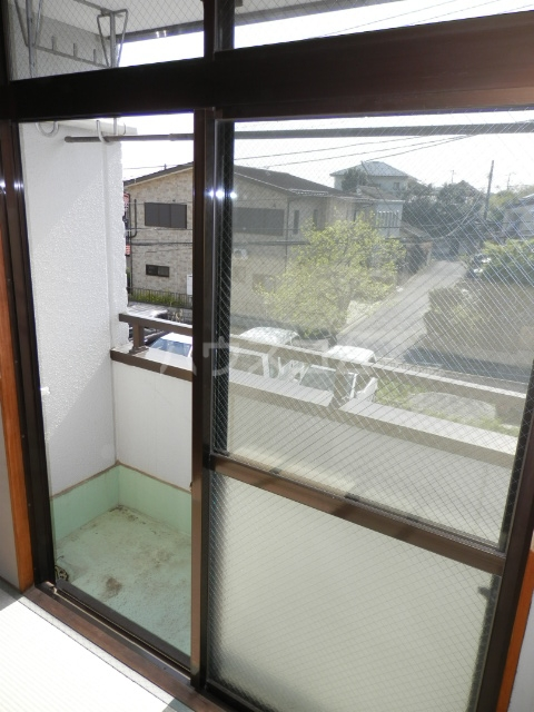 リトルハピネスナカムラ 202号室のバルコニー