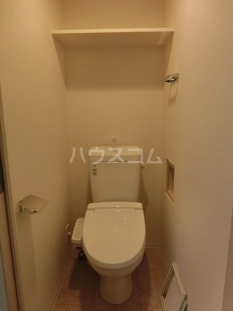 アステリ鶴舞エーナ 201号室のトイレ