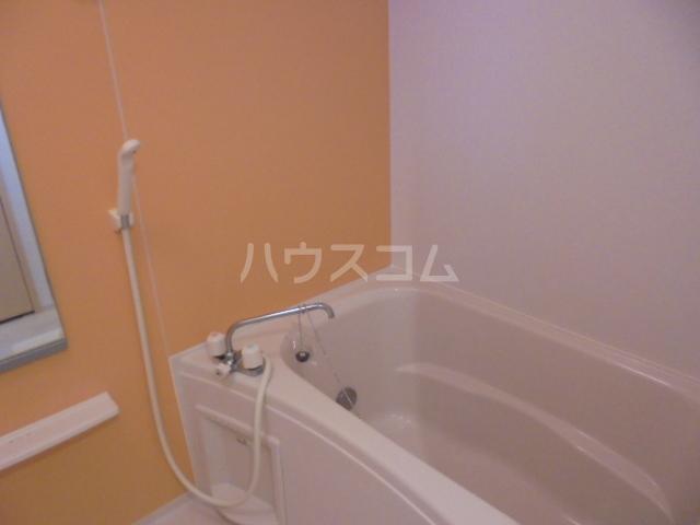 リビエスタⅡ 01010号室の風呂