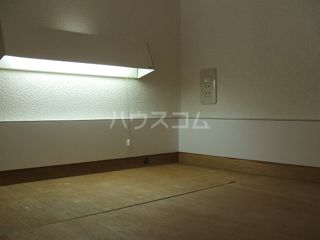 ハイデ野田 0201号室の玄関