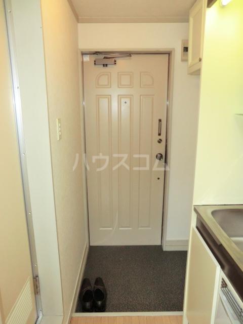 マザーグース 101号室の玄関