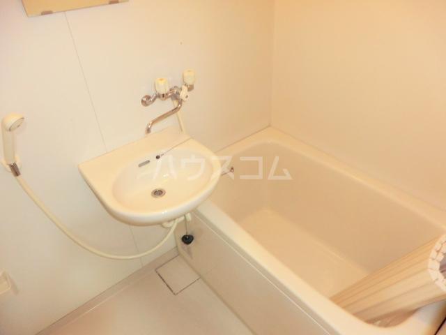 ヴィラR・Y 2E号室の風呂