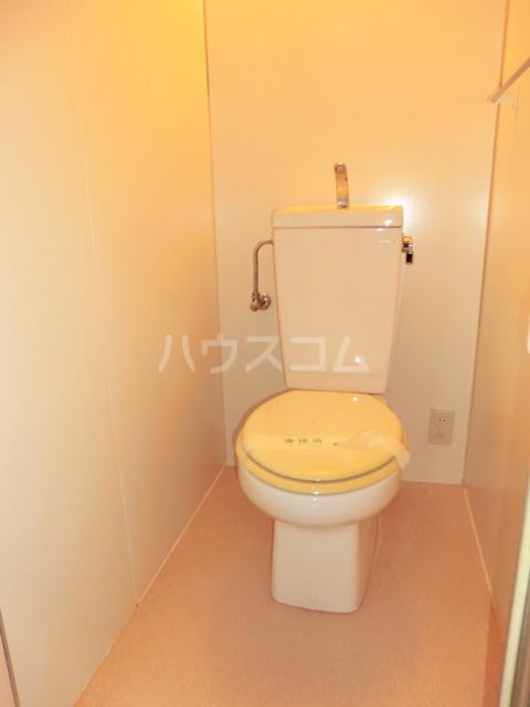ヴィラR・Y 2E号室のトイレ