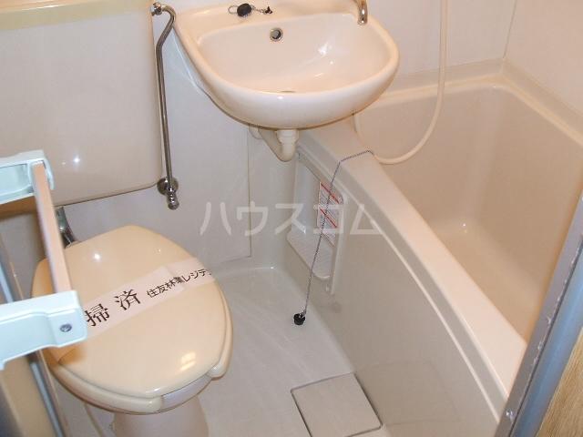 メゾン・ド・アム 107号室の風呂