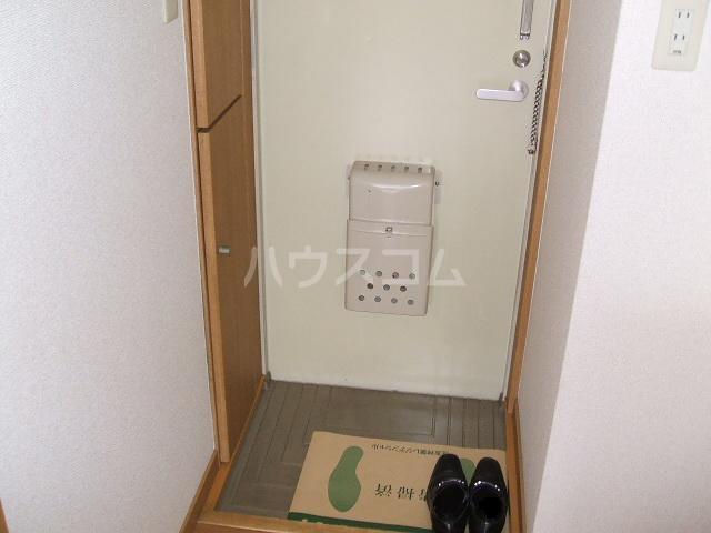 メゾン・ド・アム 107号室の玄関