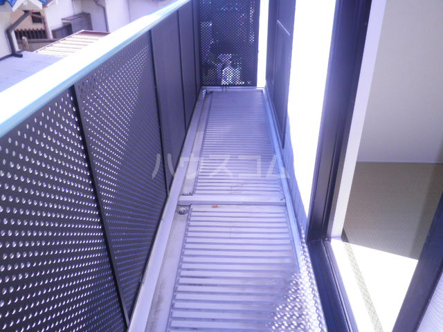 リバーサイド忠岡 C202号室のバルコニー