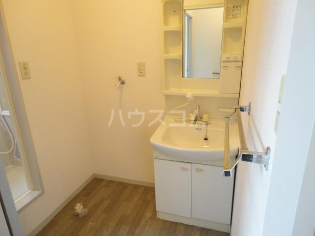 リバーサイド忠岡 C202号室の洗面所