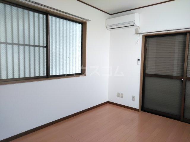 パンション 102号室のリビング