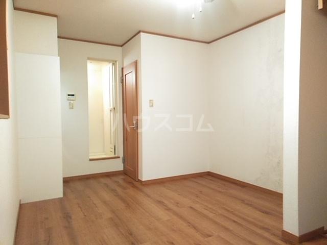 グランシャリオ 102号室のリビング