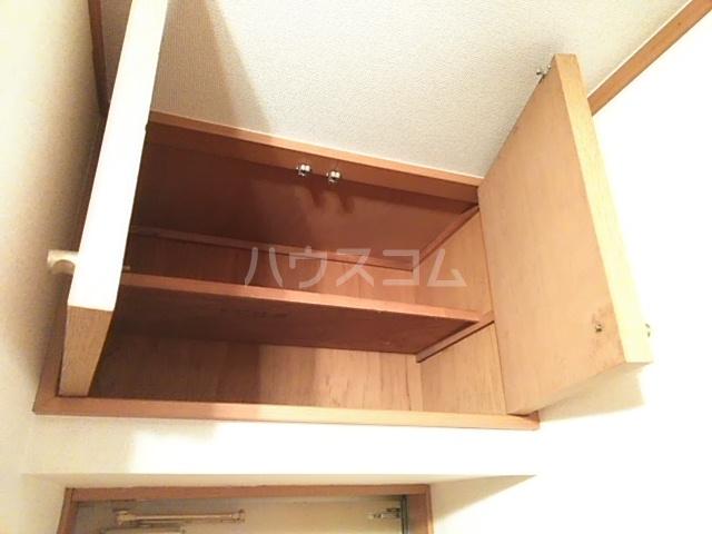 グランシャリオ 102号室の収納