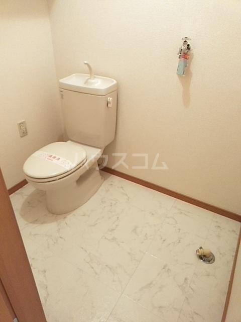グランシャリオ 102号室のトイレ