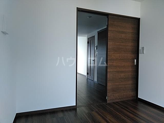 サニーフラット西大宮 101号室の居室