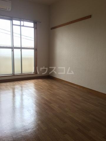 サンシャイン富士パート1 501号室のリビング