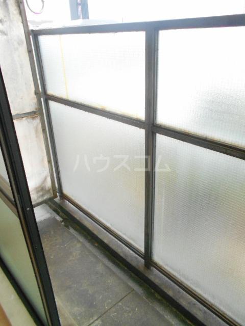 セシール太秦 201号室のバルコニー