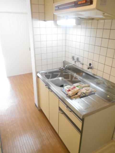 セシール太秦 201号室のキッチン