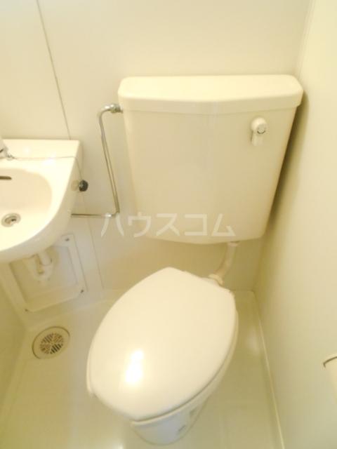 セシール太秦 201号室のトイレ