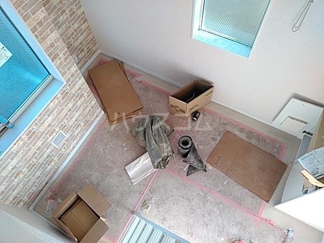ユナイト桜ベルーガ 103号室のリビング