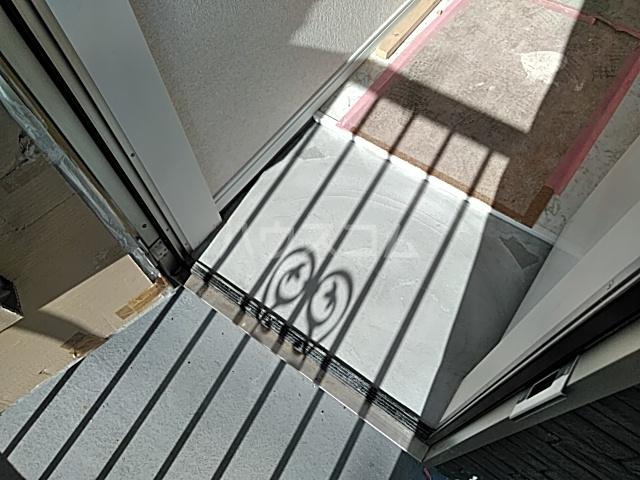 ユナイト桜ベルーガ 103号室の玄関