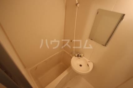 サンパレス松丸 202号室の風呂