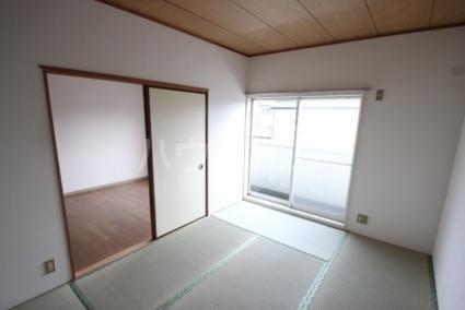 サンパレス松丸 202号室のベッドルーム