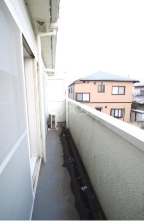 サンパレス松丸 202号室のバルコニー