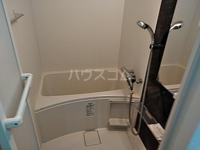 SS.Advance横濱末吉町 303号室の風呂